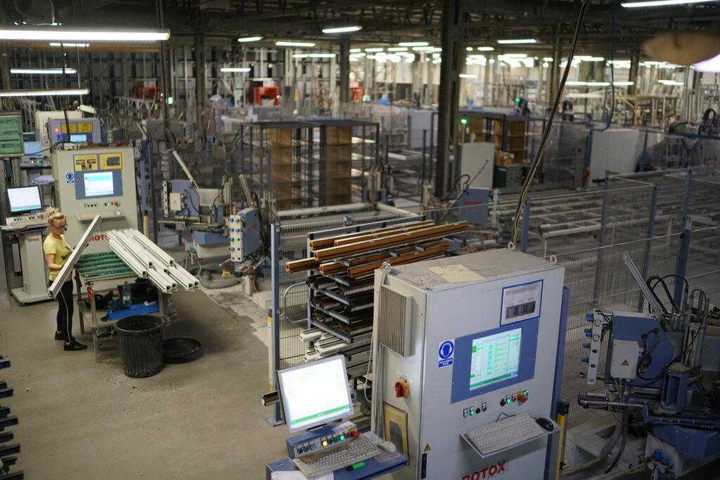 proces produkcji okien pcv
