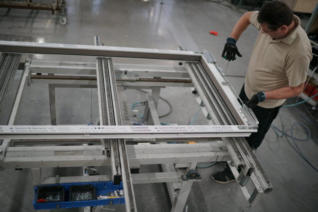 proces produkcji okien